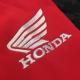 Le logo Honda de la veste hybride est brodé