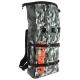 Le Square Bag offre 25 litres de rangement et un système de fermeture roulé/clipsé qui le rend étanche