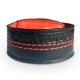 Fabriqué à partir de cuir noir et rouge, le bracelet connecté est personnalisé du logo de Japauto Moto