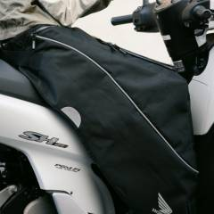 Tablier scooter Honda SH125i en dessous
